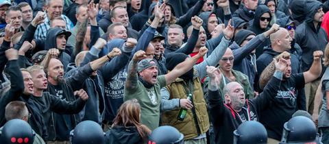 Demonstranten aus der rechten Szene in Chemnitz