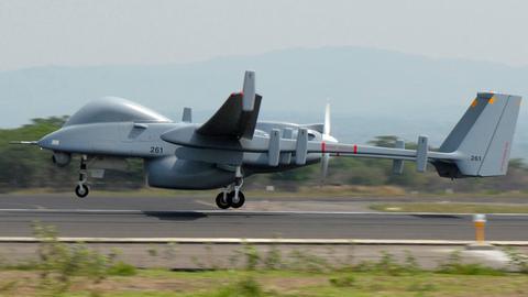 Drohne des Typs Heron TP