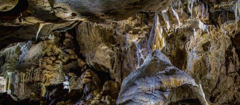 Herbstlabyrinth, Tropfsteinhöhle