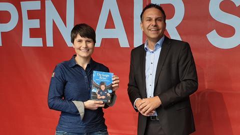 Samantha Cristoforetti mit hr-iNFO-Weltraumexperte Dirk Wagner