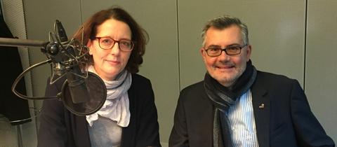 Dietmar Nietan und ARD-Hauptstadtkorrespondentin Sabine Müller