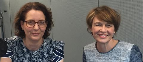 hr-iNFO Korrespondentin Sabine Müller und First Lady Elke Büdenbender im Studio