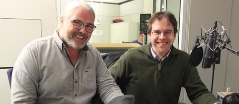 Stefan Bücheler mit Christoph von Eisenhart Rothe im hr-iNFO-Studio