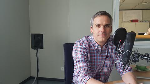 Stephan Thome im hr-iNFO-Studio