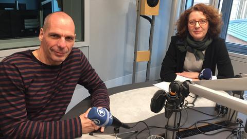 Yanis Varoufakis im Interview mit Sabine Müller
