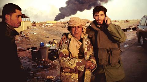 Ein Foto von Julia Leeb aus einem Kriegsgebiet.