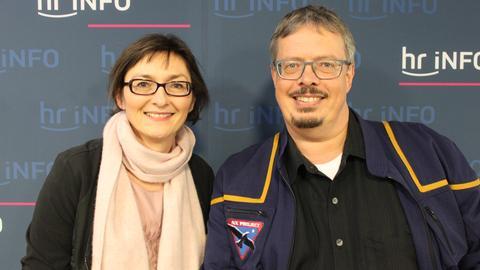 Markus Roth mit hr-iNFO-Redakteurin Mariela Milkowa