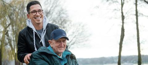 Sandro Pé mit seinem Großvater