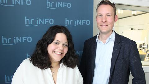 Vivien Costanzo mit hr-iNFO-Redakteur Christoph Scheld