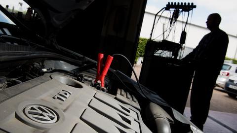Diesel-Pkw in einer Werkstatt