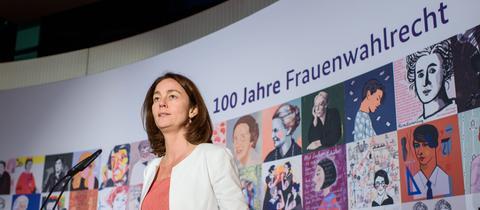 Justizministerin Barley bei einer Veranstaltung zu 100 Jahre Frauenwahlrecht.