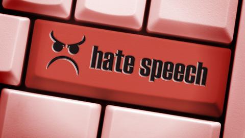 """Eine Tastatur mit der roten Taste """"Hate speech"""""""