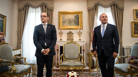 Bundesaußenminister Maas und sein türksicher Amtskollege Mehmet Cavusoglu.