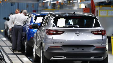 SUV werden im Opel-Werk in Eisenach montiert.