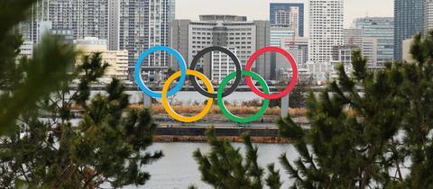Die Olympischen Ringe in Tokio.