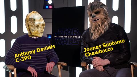 Star Wars Schauspieler Anthony Daniels und Joonas Suotamo