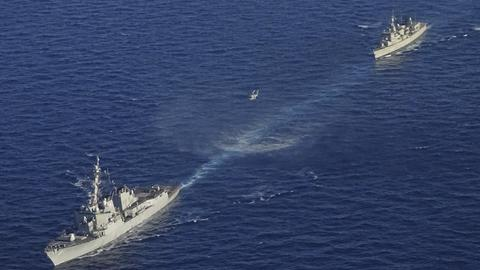 Kriegsschiffe nehmen an einer griechisch-amerikanischen Militärübung südlich der Insel Kreta teil