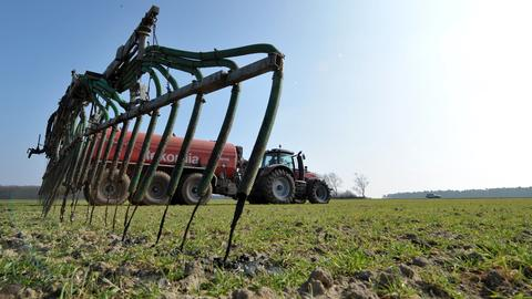 Landwirtschaft Feld Dünger Traktor