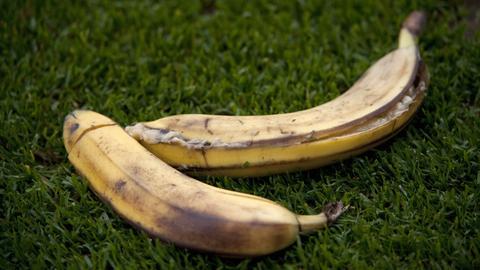 Bananen auf dem Fußballplatz