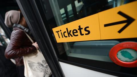 Hinweisschild auf Ticketverkauf