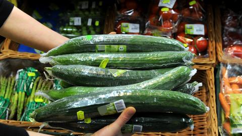 eingeschweißte Salatgurken