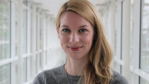 hr-iNFO-Redakteurin Katharina Wilhelm