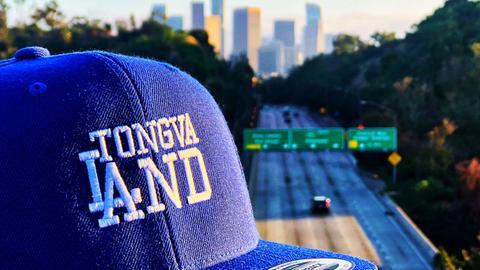 "Basecap mit der Aufschrift ""Tongva Land"""