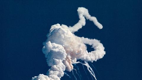 Rauchwolke Sekunden nach dem Unfall der Raumfähre Challenger