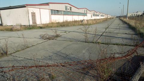 Eine Schweinemastanlage in der Uckermark, die wegen Boden- und Wassverschmutzung stillgelegt wurde.