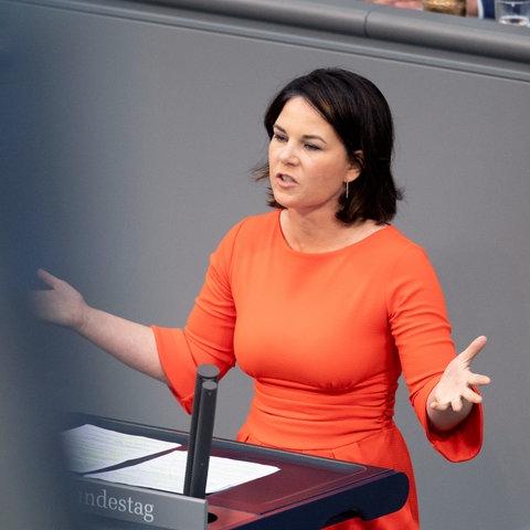 Annalena Baerbock bei einer Rede im Bundestag