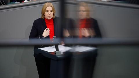 Bärbel Bas bei einer Rede im Bundestag