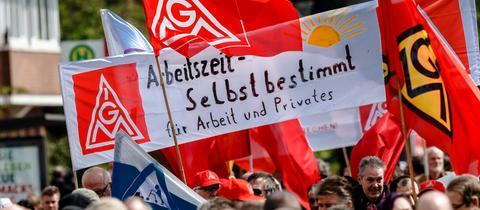Eine Hamburger Demo zum Tag der Arbeit