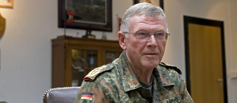 General Egon Ramms im NATO-Hauptquartier in Heidelberg