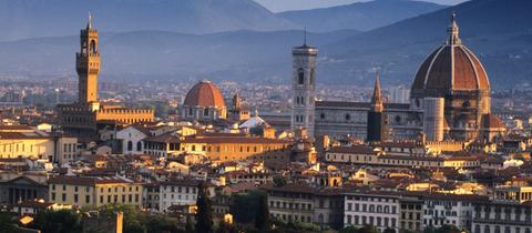 Der Florenzer Palazzo Vecchio mit Kathedrale