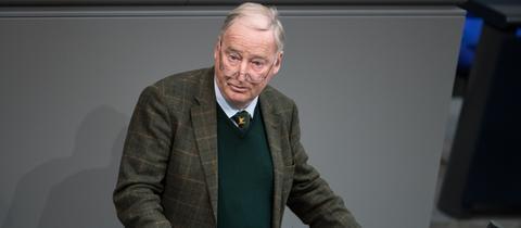 Alexander Gauland am Rednerpult im Deutschen Bundestag