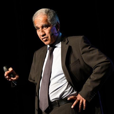 Mojib Latif bei einem Vortrag.