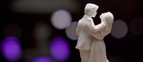 Tanzende Brautpaar-Figuren
