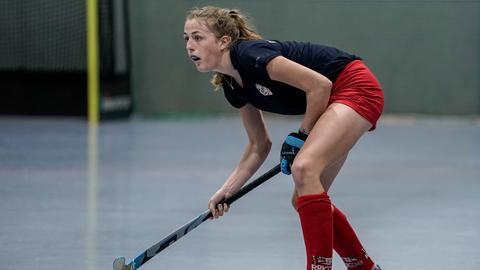 Pauline Heinz beim Hockey-Spielen