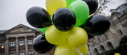 Luftballons in den Farben der Jamaika-Koalition