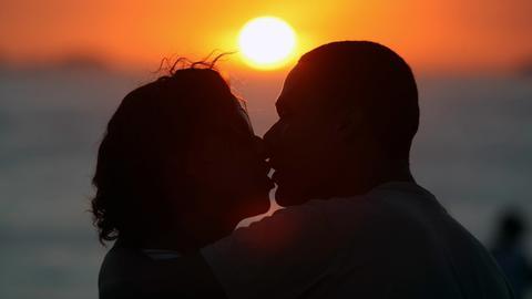 Küssendes Paar (Symbolbild)