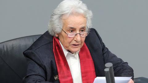 Anita Lasker-Wallfisch bei ihrer Rede im Bundestag