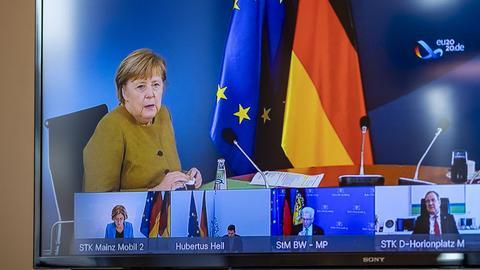 Kanzlerin Merkel in der Videokonferenz mit den Ministerpräsident*innen der Länder