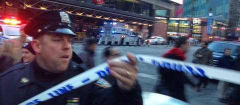 Ein Polizist nach dem versuchten Terroranschlag in New York