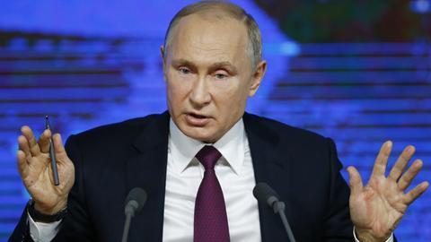 Wladimir Putin bei seiner Jahrespressekonferenz