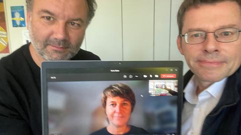 Unsere Politik-Redakteur:innen Nicholas Buschschlüter, Anne Baier und Riccardo Mastrocola