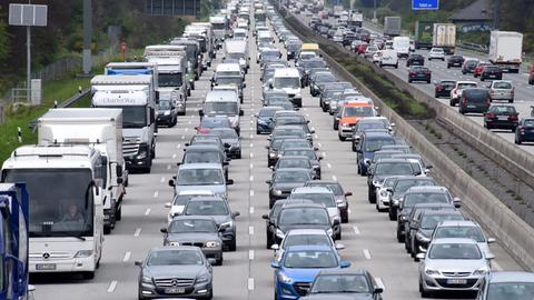 Stau auf Hessens Autobahn
