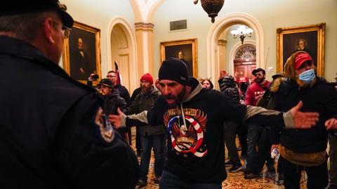 Trump-Anhänger stürmen das Kapitol in Washington