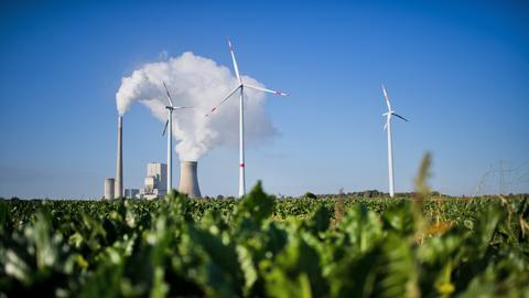 Windrad Kohlekraftwerk