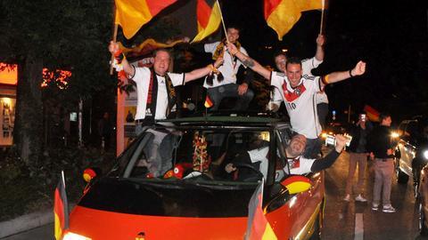 Autokorso mit deutscher Flagge