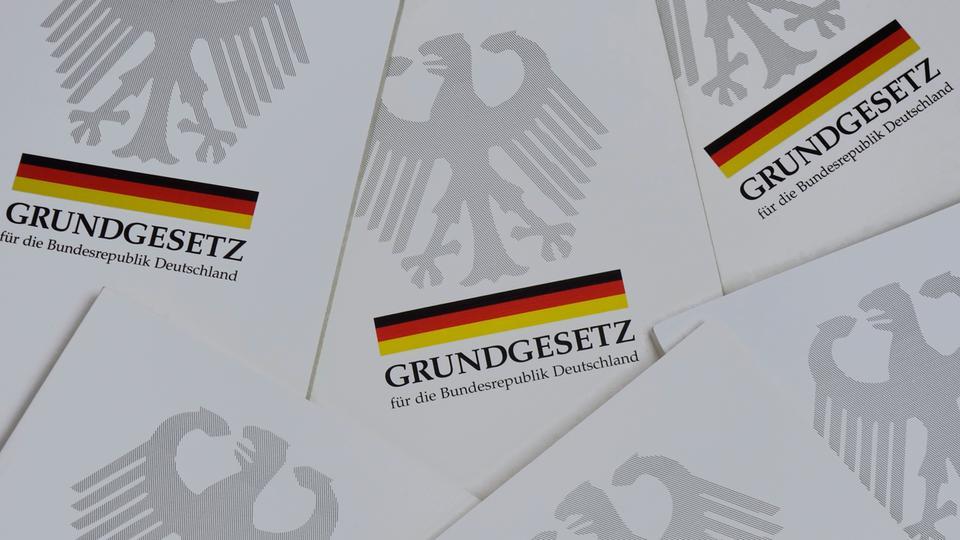 Grundgesetz Broschüren
